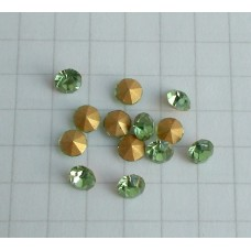 A-16 crystal Peridot  (3.7x2.5mm),1vnt.