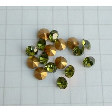 A-17 crystal Olive  (3.7x2.5mm),1vnt.